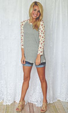 JUST IN! This one is a MUST have! Sweet garden floral tee! $29
