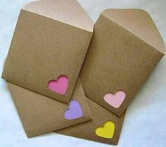 A set of 12 handmade mini note cards and envelopes. Note cards: * Made from card stock of each color - yellow, pink, light pink, & purple) * Measure Envelope Diy, Envelope Punch Board, Heart Envelope, Origami Envelope, Origami Owl, Origami Heart, Envelope Design, Diy Papier, Ideias Diy
