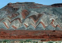 Geology in Utah 1993 by Gord McKenna, via Flickr Mexican Hat, Raplee anticline, the limestone ridge, hwy 163. Hogbacks and flatirons.  Heat.