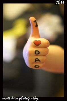 Geschenk Vatertag Completely happy fathers day footage free for Fb is my h… Happy Fathers Day Pictures, Fathers Day Photo, Fathers Day Crafts, Gifts For Father, My Dad My Hero, I Love My Dad, Great Father, Mother And Father, Father Sday