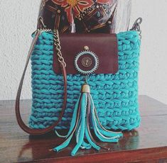 17 best images about crochet purses totes on Bag Crochet, Crochet Handbags, Crochet Purses, Crochet Hooks, Yarn Bag, Diy Tote Bag, Handbag Patterns, Bead Embroidery Jewelry, Macrame Bag