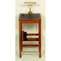 Virginia Woolf Stand-up Desk
