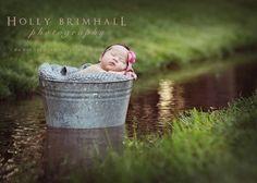 newborn photo tub grass outdoor