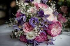 Afbeeldingsresultaat voor paars bruidsboeket