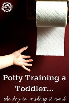 Real tips for potty training a toddler (from moms that have done it!) #PottyTraining101