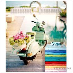 Edwards Poloları ile rengarenk bir hafta diliyoruz. #color #colorful #fashion #redfleece #flowers #vscocam