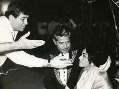 #muvyz053117 #BollywoodFlashback Raj Kapoor directing Dara Singh and Padmini in Mera Naam Joker 1970 (indiatimes) #RajKapoor #darasingh #instagood #instadaily #instapic #muvyz