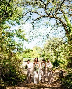 Tuscany wedding moments . . . . . . . . . . #weddingphotographer #tuscanywedding #tuscany #weddingintuscany  #romanticwedding #love #photograph #photoshoot #photos #photographer #photography #photo #weddingday #weddings #wedding #photodaily #photoofday #photograpy #photolove #weddingphoto #weddingreportage #weddingitaly #weddingitalianphotographer