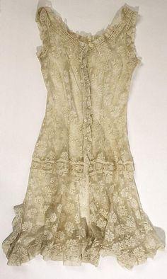 Sleepwear-Chantilly lace gown