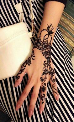 Discovered by Jy Rose. Find images and videos about black and white, hand and na… Discovered by Jy Rose. Find images and videos about black and white, hand and nail on We Heart It – the app to get lost in what you love. Henna Tattoos, Henna Tattoo Hand, Henna Tattoo Designs, Finger Tattoos, Mehndi Design Images, Best Mehndi Designs, Mehndi Designs For Hands, Henna Designs Easy, Beautiful Henna Designs
