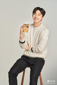 Coffee Prince, Fashion Photography Poses, Gong Yoo, Goblin, Korean Actors, Menswear, Men Casual, Mens Fashion, Celebrities