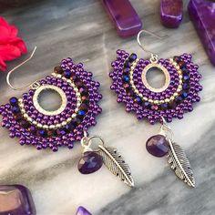 Good Morning instafam🌞 These amethyst drop hoops are now listed - Good Morning instafam🌞 These amethyst drop hoops are now listed ( link in bi - Beaded Earrings Patterns, Diy Earrings, Seed Bead Earrings, Beading Patterns, Crochet Earrings, Prom Jewelry, I Love Jewelry, Jewelry Gifts, Handmade Jewelry