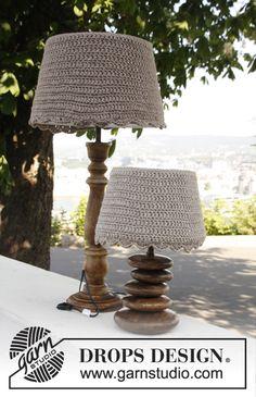 """Virkatut DROPS lampunvarjostimen päällykset """"Nepal""""-langasta. ~ DROPS Design"""