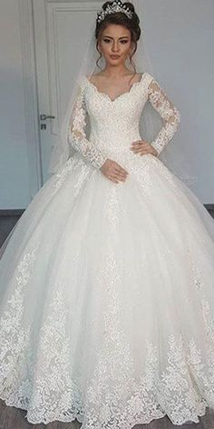 Wonderful Tulle V-neck Neckline Ball Gown Wedding Dress With Lace Appliques & Beadings