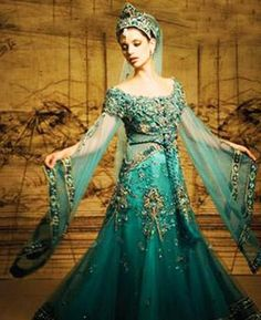 middle eastern gown | middle eastern