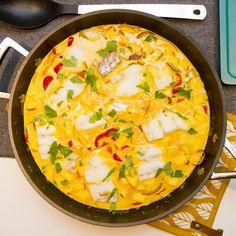 Torsk i karri Fish Recipes, Recipies, Fish Dinner, Sugar And Spice, Main Meals, Pesto, Quiche, Seafood, Curry