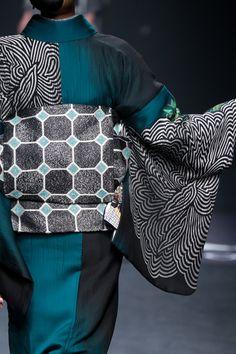 2015-16 A/W by 斉藤上太郎/Jotaro Saito Ethnic Fashion, Kimono Fashion, Asian Fashion, Kimono Fabric, Kimono Dress, 3d Portrait, Modern Kimono, Kimono Design, Textiles