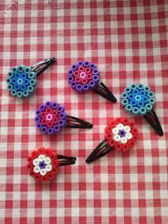 zelfgemaakte knipjes van strijkkralen