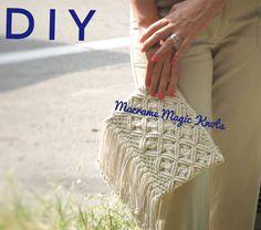 Macrame Clutch Bag DIY - Crafts for Girls - Jessica Markut - Diy Clutch, Diy Purse, Clutch Bag, Diy Crafts For Girls, Diy And Crafts, Diy Bags Hanger, Pochette Diy, Wallets For Girls, Crochet Bag Tutorials