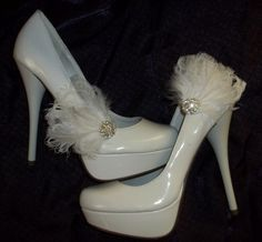 Bridal Shoe Clips  White Feather shoe clips  by ShoeClipsOnly, $34.00