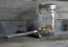 Looking for a creative mason jar project for back to school? Learn how to make a DIY mason jar pencil sharpener with free plans from DIY Huntress! Mason Jar Projects, Mason Jar Crafts, Mason Jar Diy, Indoor Crafts, Custom Pencils, Mason Jar Wall Sconce, Small Mason Jars, Diy Craft Projects, Craft Ideas