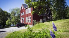 Guesthouse Eleven Hotel Arvika Located in a former schoolhouse dating back about 100 years, Guesthouse Eleven is situated in the picturesque village of Jössefors. Enjoy scenic surroundings and wonderful lake views just outside Arvika.