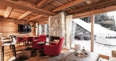 The luxurious hideaway with first-class service and ski-in, ski-out in the Kitzbühel ski area, 50 m from the start of the Hahnenkamm race. Lodges, Pergola, Outdoor Structures, Luxury, Cabins, Arbors