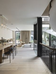 Nathalie Priem Photography  Elegant and contemporary lateral living space in Notting Hill home. designed by Echlin.