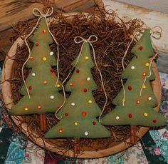 Primitive Christmas Tree Tucks Ornies Bowl by OldeAnniePrimitives, $14.95