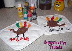 Some cute ideas, I LOVE these homemade hand print turkey pot holders! Seems fun to do with the kids and super cute! Maybe for my window that I decorate too!  @Heather Creswell Hautamaki