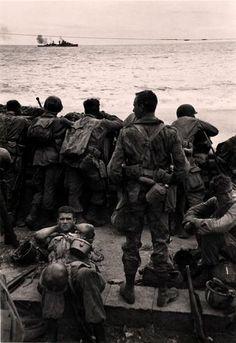 Robert Capa, American soldiers, Salerno, Italy, 1943