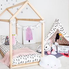 A trend that is both fun and magical for children of all ages: Unicorns! http://petitandsmall.com/unicorn-decor-accessories-kids-room/