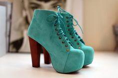 zapatos turquesas tipo bota