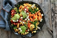 Pastasalat med ovnsbakte grønnsaker Cobb Salad, Pesto, Baking, Den, Food, Bakken, Essen, Meals, Backen