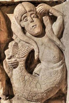 San Claudio de Olivares, Zamora - Sirena, Bestiario Medieval Romanesque Sculpture, Romanesque Art, Medieval Life, Medieval Art, European History, Art History, Fantasy Creatures, Sea Creatures, Spain