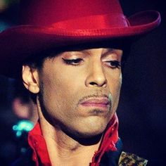 This will 4Ever be my favorite Prince moment. His performance, his look, his face...he was lit from within as God played through his hands that night while the world watched in awe and wonder.