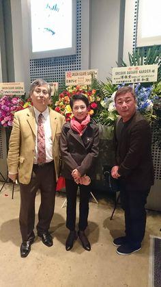@yoheitsunemi 田淵智也さんの親御さんとユニゾンスクエアガーデンのライブに。蓮舫さん親子もファンとのことで遭遇。あーしかし、音がでかくて気持ちいい。進化してますなあ。