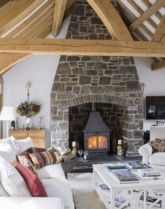 Take a look at this cosy grey and white Nordic style retreat