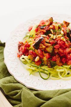 Zucchini Pasta Alla Norma (sub garlic-infused oil for garlic) / Inspiralized