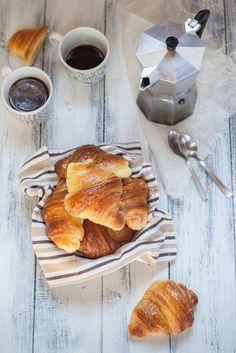 #Colazione con cornetti e caffè! #Breakfast