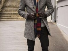 With every upcoming season, people start redoing their wardrobe. For winter months, jackets and pullovers come to the front shelves … Winter Outfits For School, Cute Winter Outfits, Warm Outfits, School Outfits, Cute Outfits, Popular Outfits, Basic Outfits, Classic White Shirt, Denim Blazer