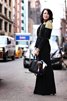 Gold accents on Omaha fashion blogger Natalie #NYC