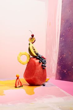Cool sculpture like fruit, still life photography by Ania Wawrzkowicz. Food Photography Styling, Modern Photography, Still Life Photography, Color Photography, Image Photography, Food Design, Art Design, Graphic Design, Food Styling