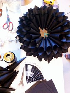 EASY TO DO DIY PAPER FLOWERS #CRAFTS #DIY #FLOWERS #WEDDING #IDEAS #INSPIRATION