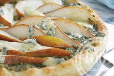 Пицца с сыром Горгонзола и грушей