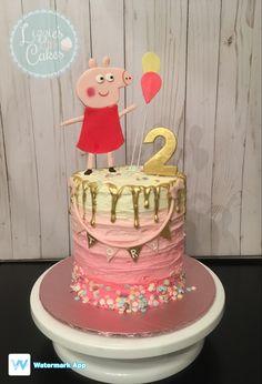 Peppa pig cake! Bolo Da Peppa Pig, Birthday Party Themes, Birthday Ideas, Pig Party, Little Cakes, Third Birthday, Cake Decorations, Amelia, Charlotte