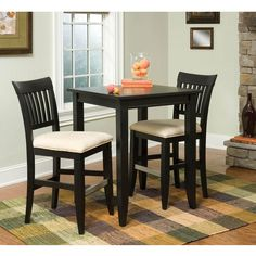 Tall square table with bars on the chairs stoolsTall kitchen table  with high bench built into one wall for  . Tall Bistro Table And Chairs Indoor. Home Design Ideas
