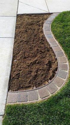 Simple Square Brick Corner Edge #squarelawnideas