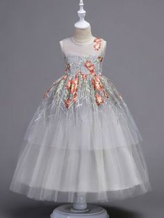 81cf8ef119d Embroidered Mesh Stereo Party Flowers Princess Dress Newborn Girl Dresses