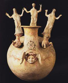 Askos, IV-III a. C. Museo Archeologico, Bari. Provenienza Canosa di Puglia. Cultura greca e magno-greca